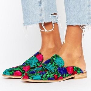 NWOT Free People Flower Embroidered Loafers